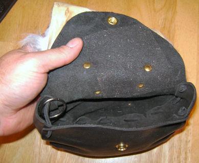 pouch1.jpg